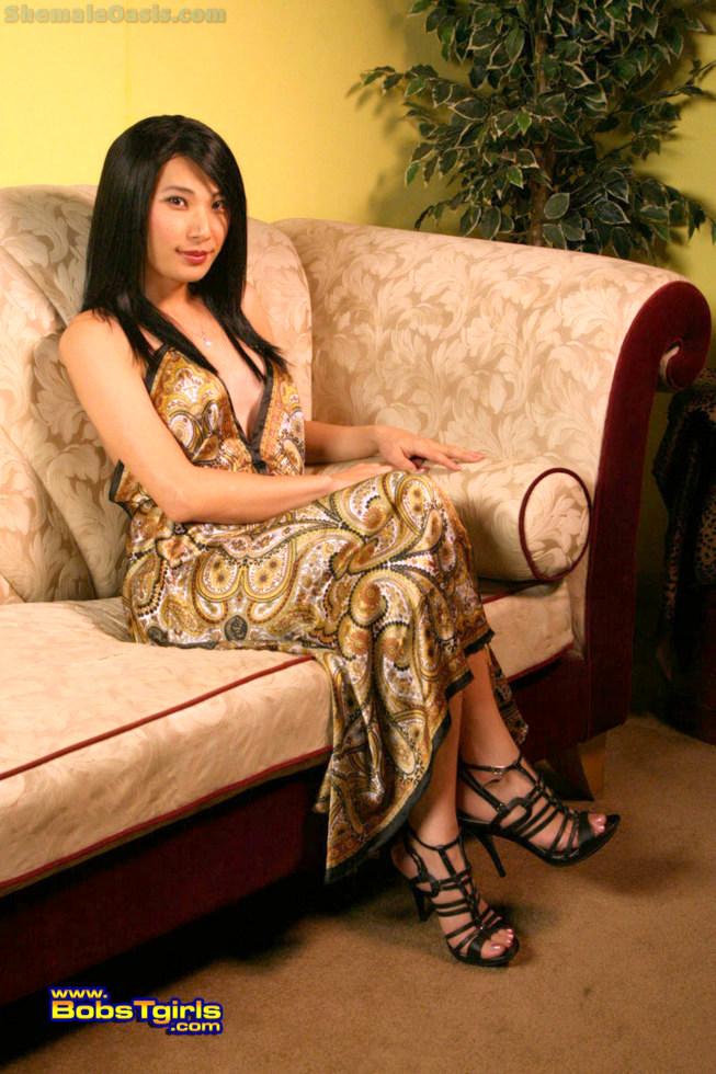 Thai T-Girl Bora Gin - Bora Gin Lounge