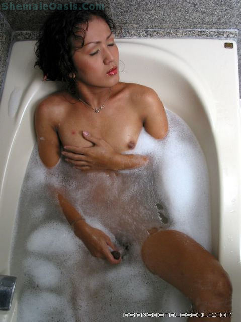 Thai Tgirl Bathing!