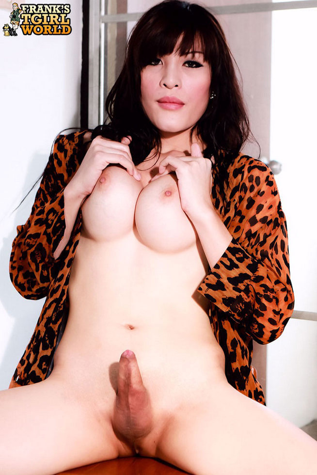 Thai Tgirl Bee