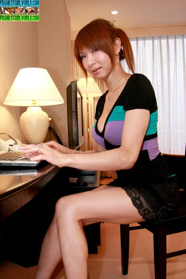 Thai Tgirl Miki - Miki Panties N Upskirt
