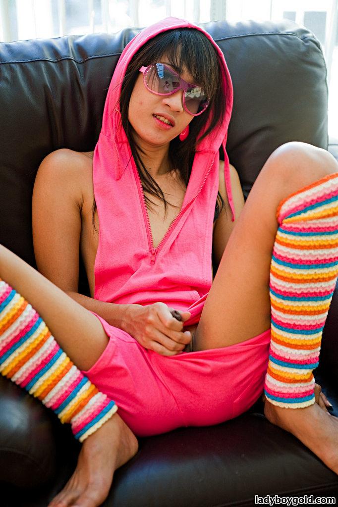 Thailand T-Girl Ood - Ood Skipping School