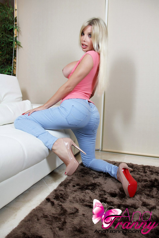 Transexual Ana Mancini - Jeanspinktop