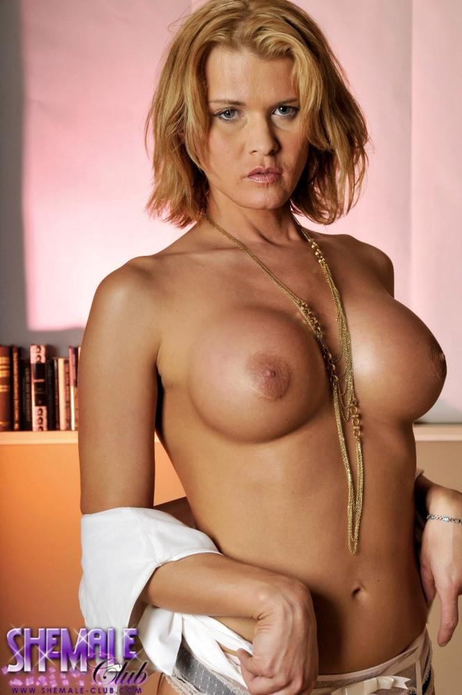 Transexual Astrid Shay