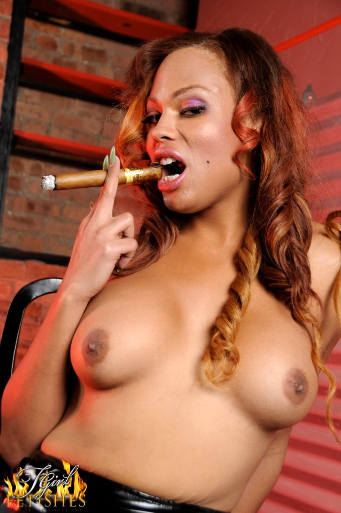 Transexual Kissable Smoker