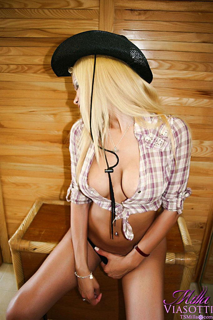 Transexual Milla Viasotti - Cowgirlphotos