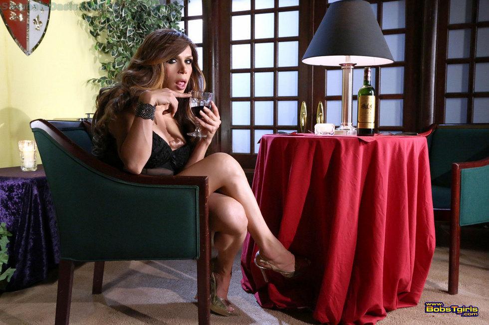Transexual Sofia Sanders - Sofia Sanders Perfect Wine